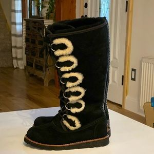 Ugg Tall Lace Up Black Suede Shearling Boots Sz 5